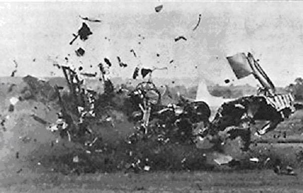 http://hobby-plus.narod.ru/aircraft/dh_110/crash_farnboro_3.JPG